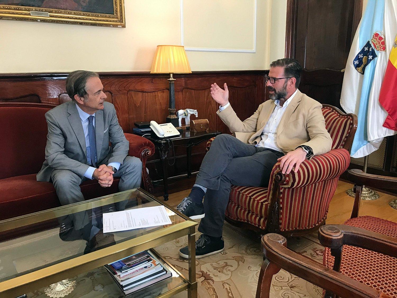https://consellosocial.udc.es/wp-content/uploads/2019/09/consello-social-reuniones-institucionales-ferrol.jpg