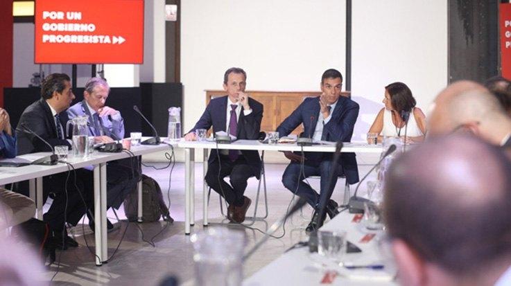 Encuentro de Antonio Abril con Pedro Sánchez
